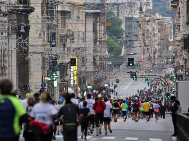 Genova, arriva la maratona della rinascita