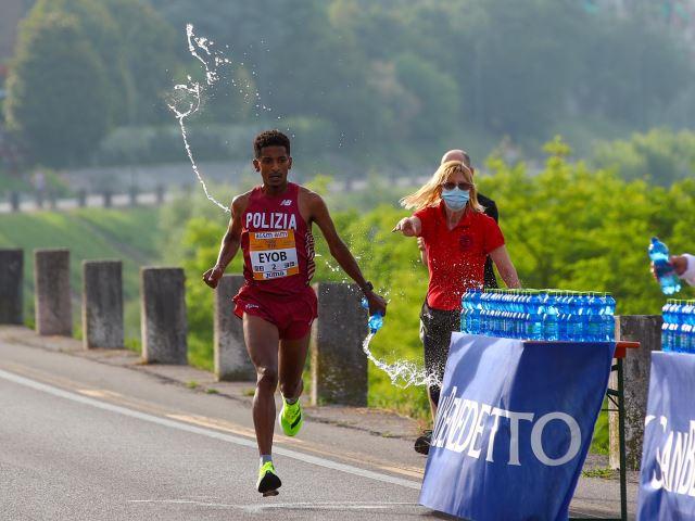 Verona torna a correre: Eyob Faniel e Angela Tanui vincono la 14^ Giulietta&Romeo Half Marathon