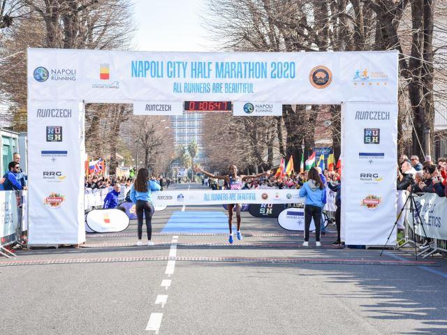 Napoli City Half Marathon, nessun caso di Coronavirus