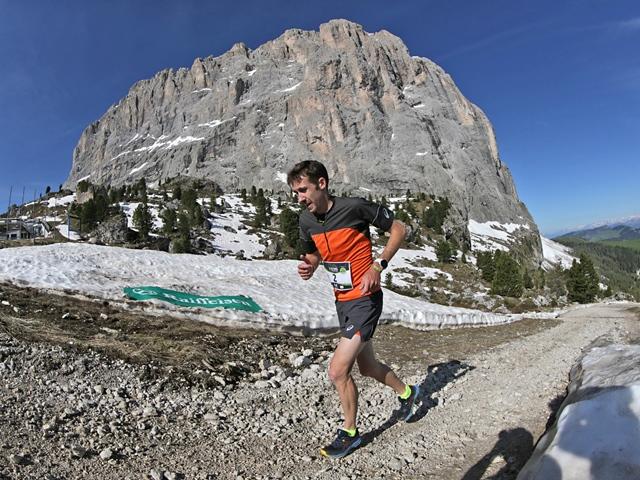 Dolomites Saslong HM: che spettacolo! Chevrier e Stenta camosci in Val Gardena