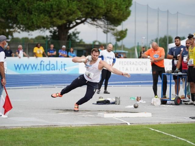 Zane Weir non si ferma: oggi allo stadio Chiggiato di Caorle (VE) il suo peso vola a 21.66